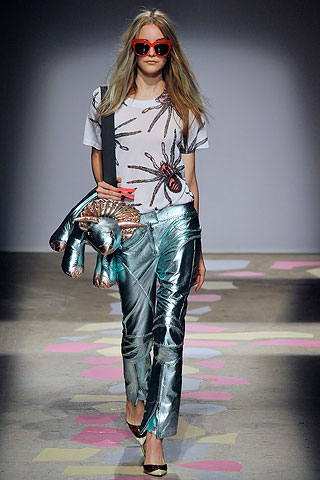 Giles Deacon Sp 10 look 8.  jpg